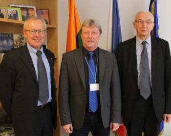 Czech Ambassador discusses the progress of EHU's development