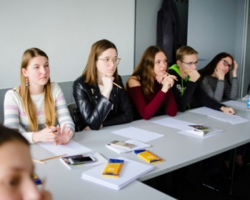 """Belarusian prospectives discover more about the University during the """"Day with EHU"""" in Minsk"""